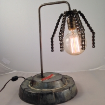 """""""The Claw 2"""" Lamp"""